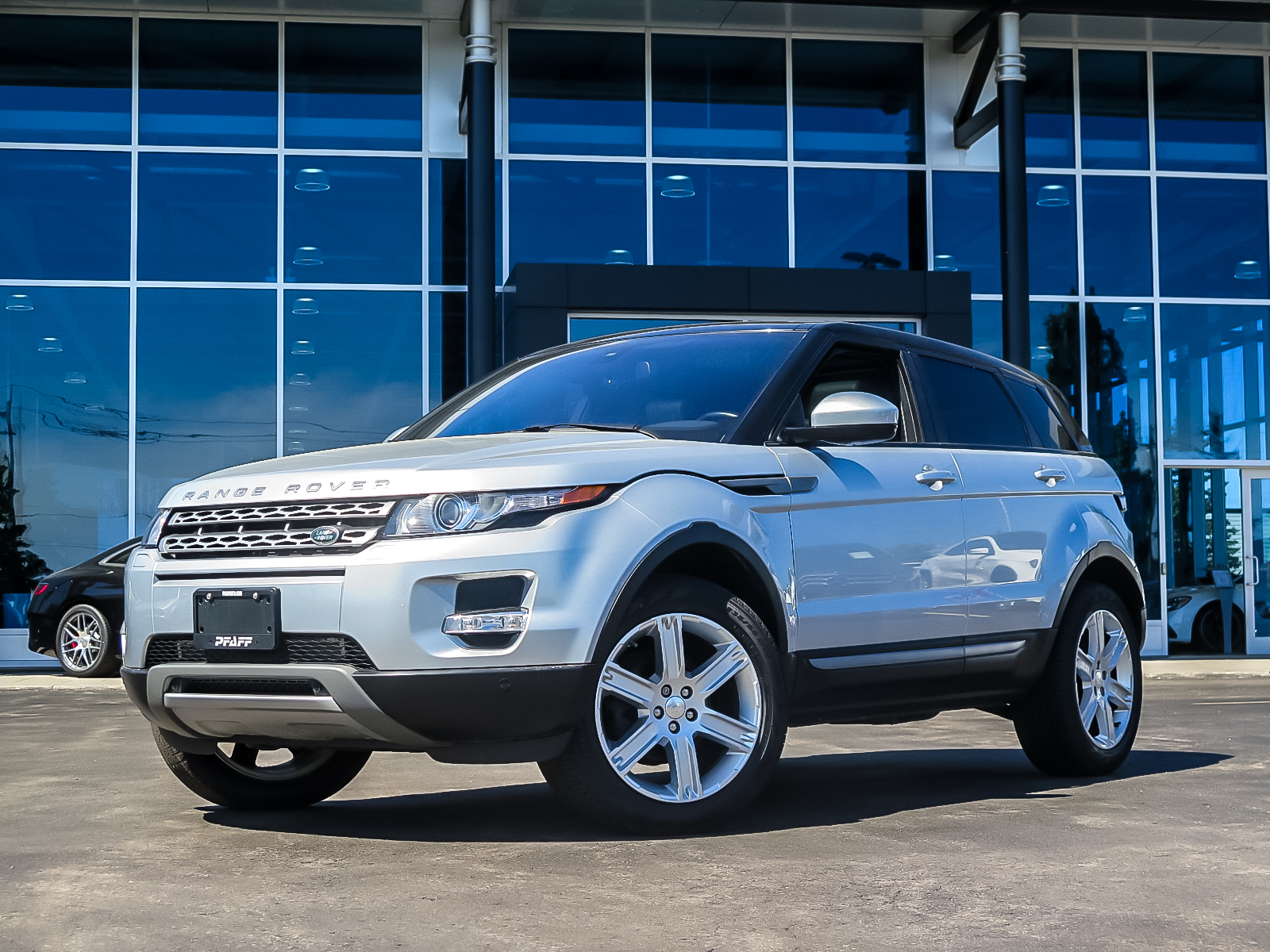 Pre-Owned 2014 Land Rover Range Rover Evoque Pure Plus