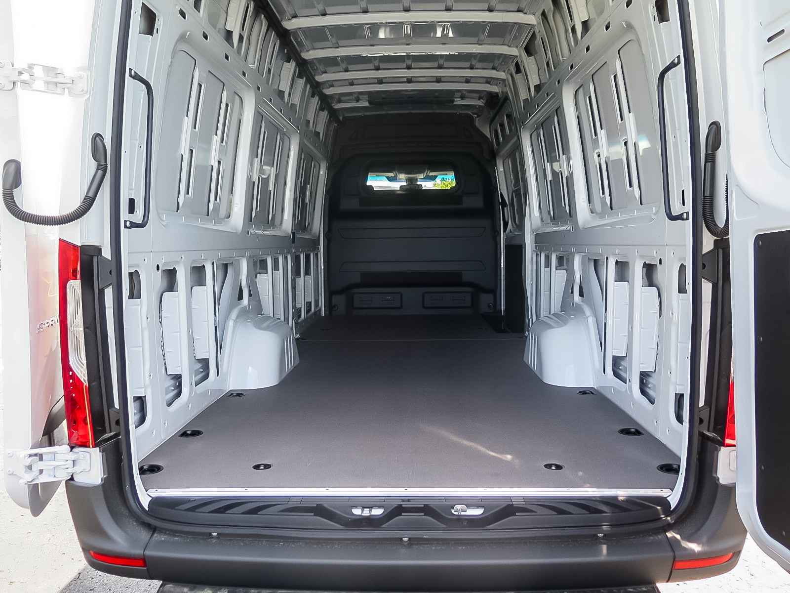 New 2019 Mercedes-Benz Sprinter V6 2500 Cargo 170 Ext