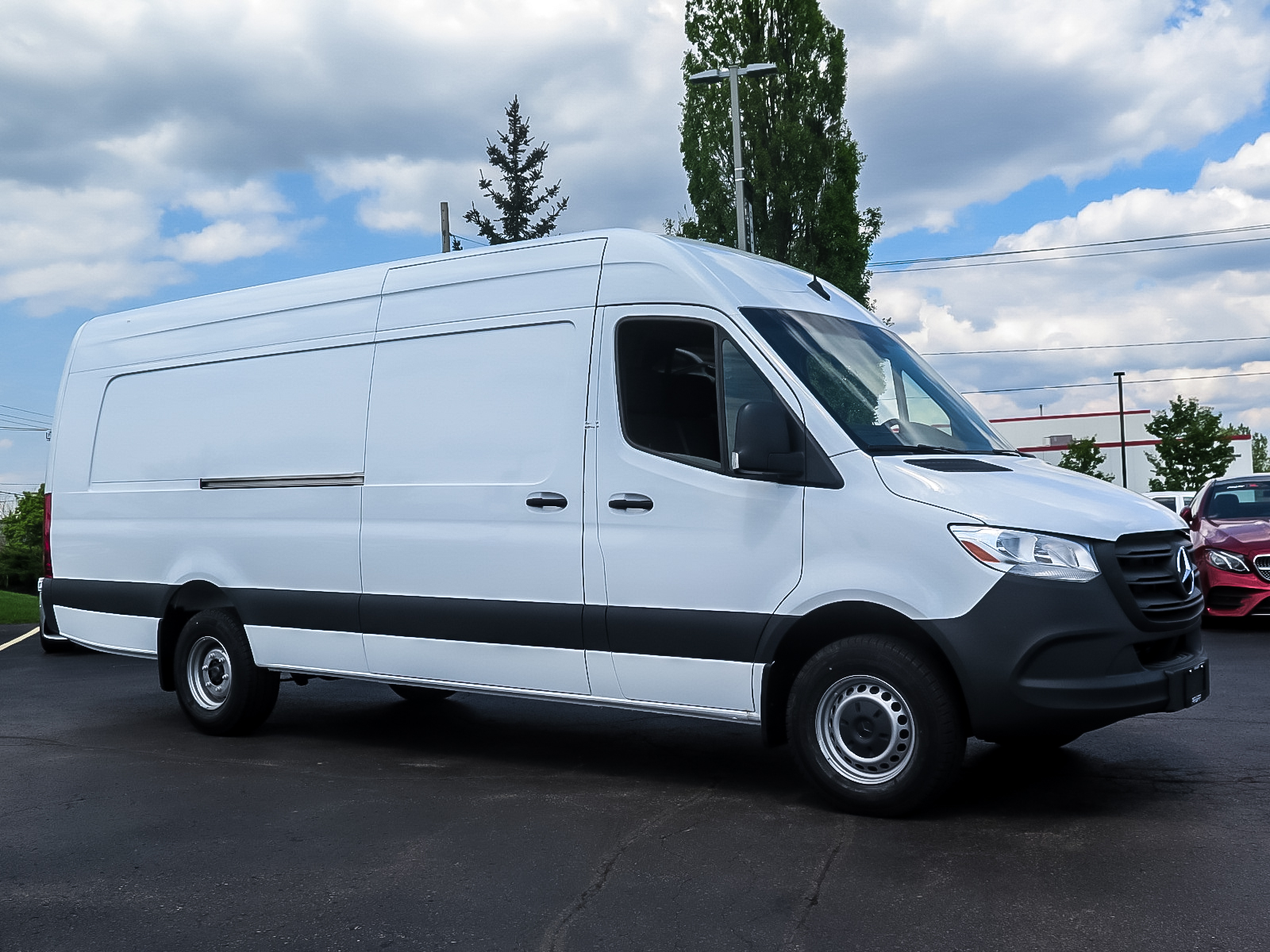 New 2019 Mercedes-Benz Sprinter V6 3500 Cargo 170 Ext.