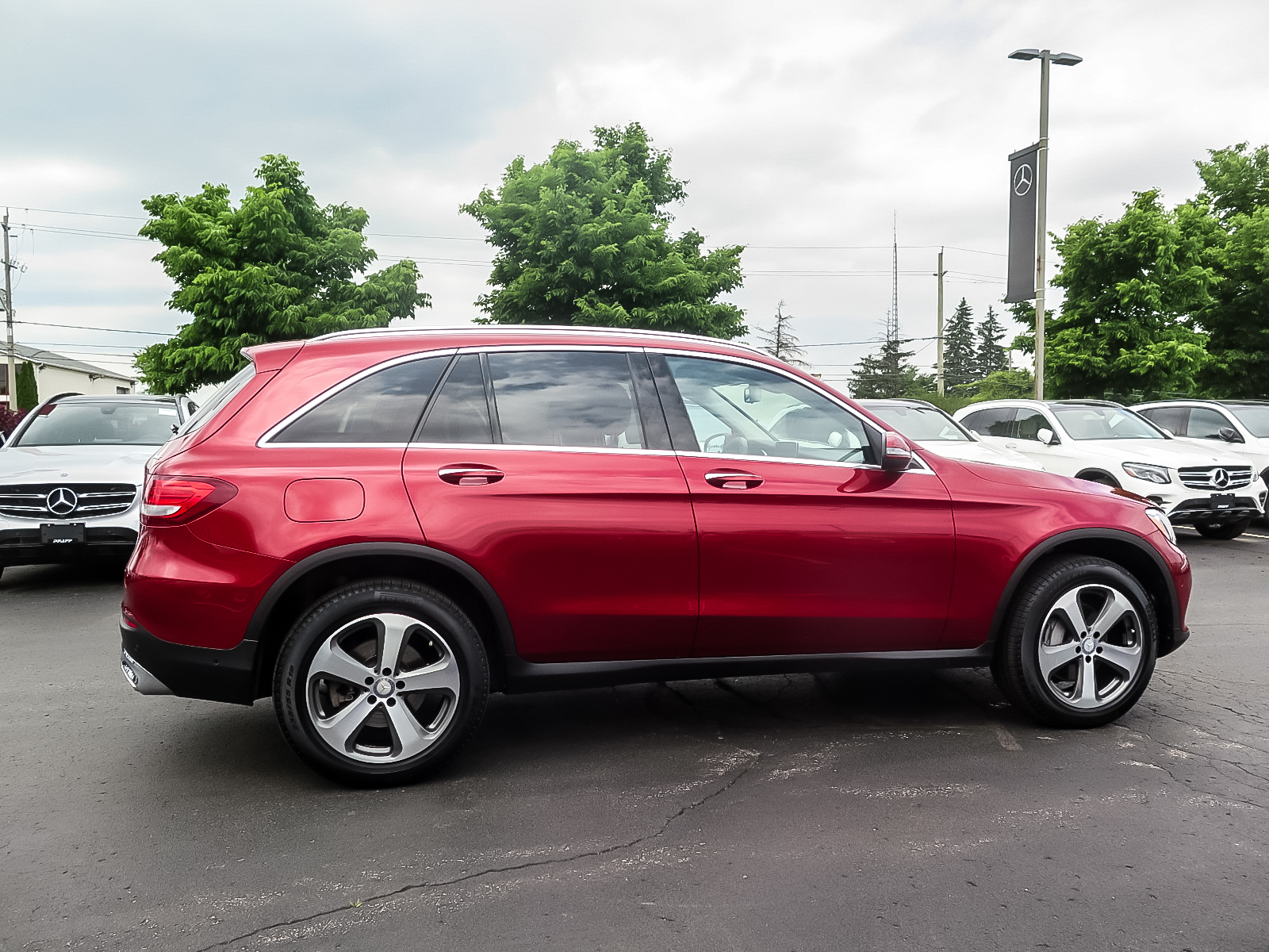 Certified Pre-Owned 2017 Mercedes-Benz GLC300 4MATIC SUV
