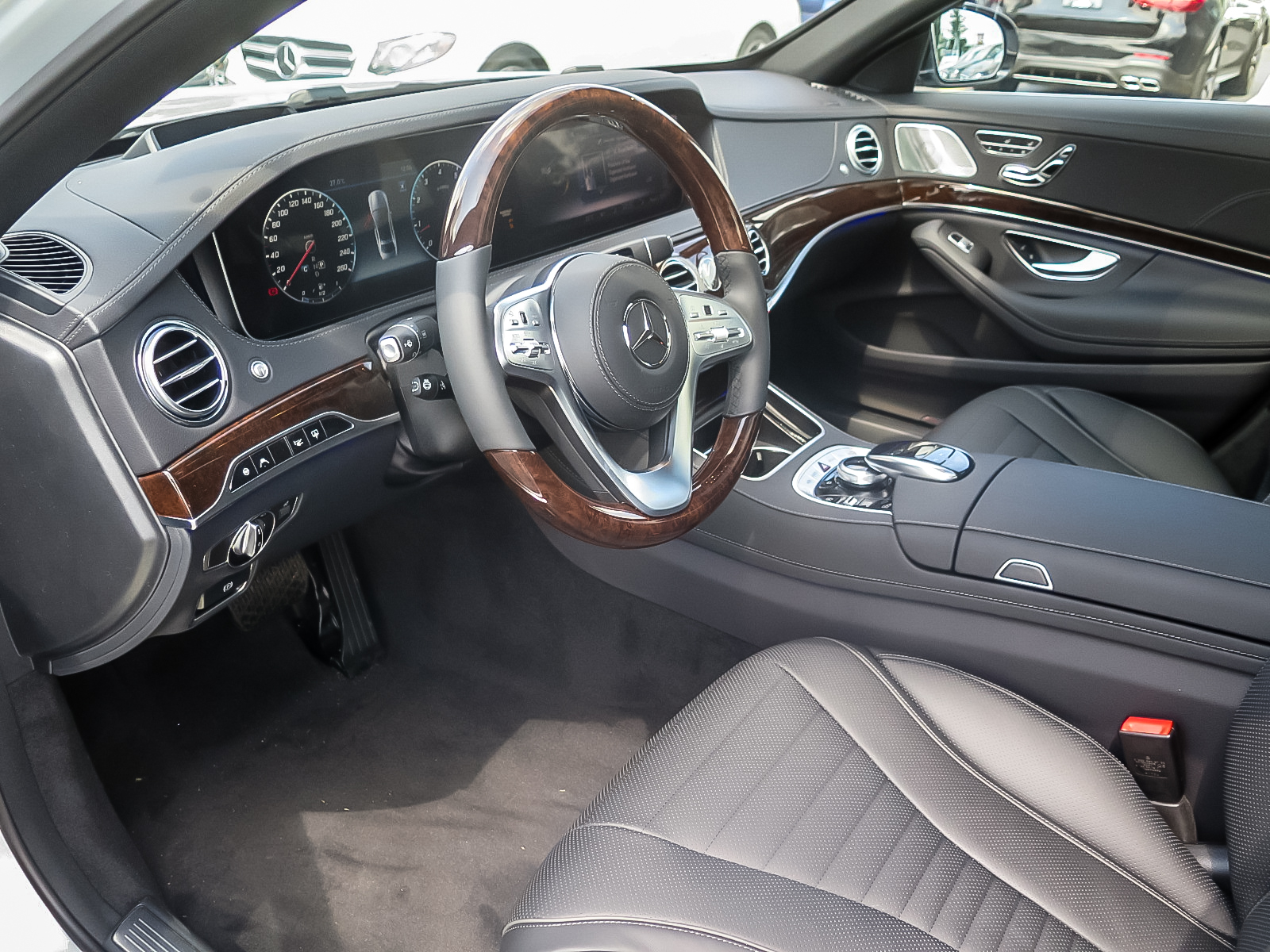 New 2019 Mercedes-Benz S560 4MATIC Sedan (LWB)