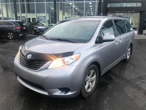 Pre-Owned 2012 Toyota Sienna LE 8 Pass V6 6A